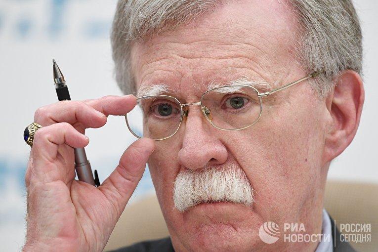 Джон Болтон на пресс-конференции в Москве