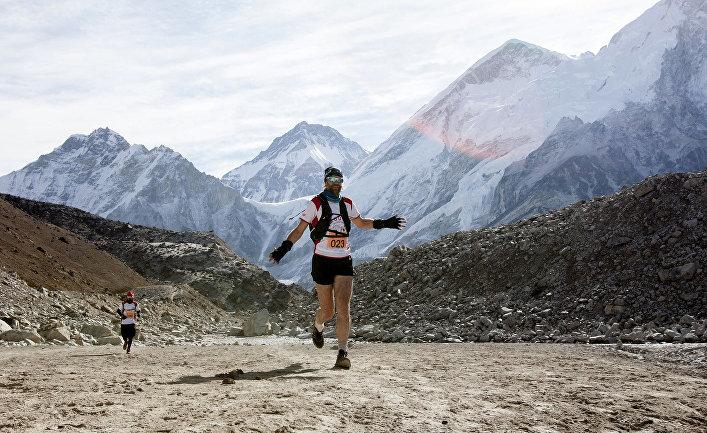 Участники ультразабега на Эвересте в Непале