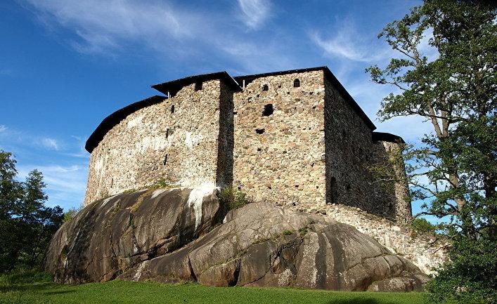 Руины замка Расеборг в Финляндии