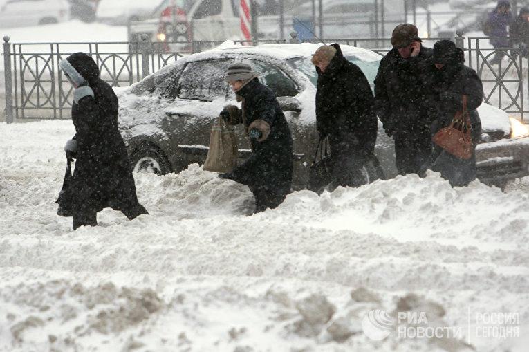Сильный снегопад прошел в городе