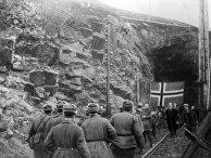 Жители Киркенеса, скрывавшиеся на руднике, и бойцы Красной Армии. Освобождение Северной Норвегии, 1944 год