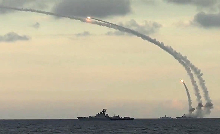 Из акватории Каспийского моря ракетными кораблями Каспийской флотилии РФ нанесен массированный удар 18-ю крылатыми ракетами комплекса Калибр-НК по 7-ми целям позиций террористов в сирийских провинциях Ракка, Идлиб и Алеппо
