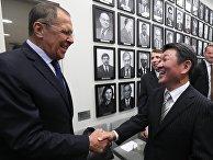 Министр иностранных дел РФ Сергей Лавров и министр иностранных дел Японии Тосимицу Мотэги