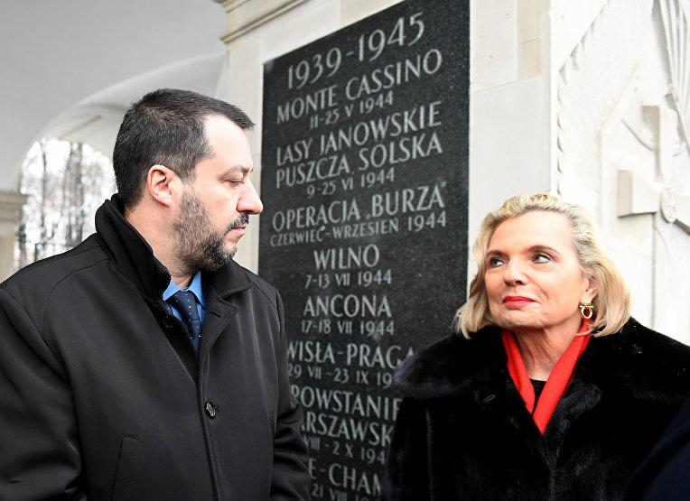 Анна Мария Андерс, посол Польши в Италии, с министром внутренних дел Маттео Сальвини