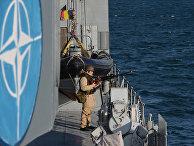 Румынский фрегат во время военных учений НАТО в Черном море