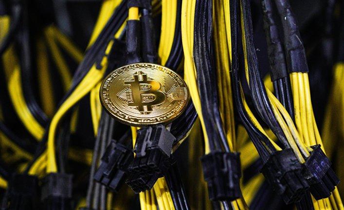 Сувенирная монета биткоина