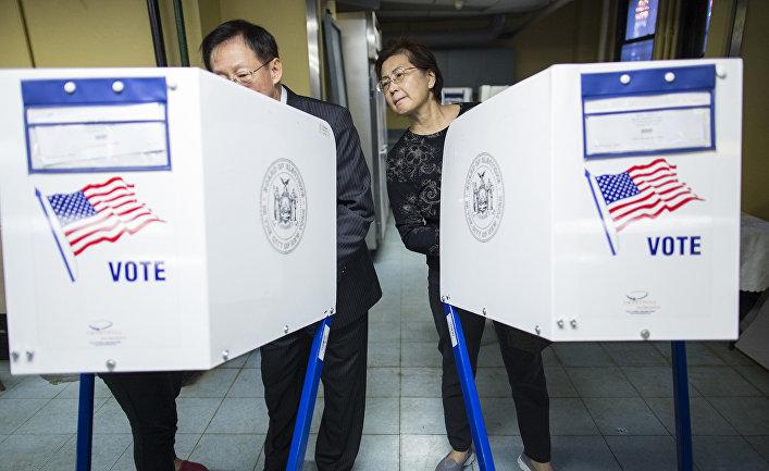 На избирательном участке в Нью-Йорке, США
