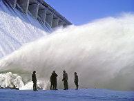 Водосброс на Братской гидроэлектростанции