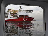 Турецкое буровое судно на пути в Средиземное море
