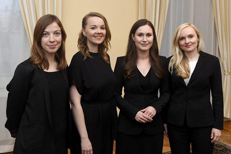 Премьер-министр Финляндии Санна Марин, министр образования ли Андерссон, министр финансов Катри Кульмуни и министр внутренних дел Мария Охисало