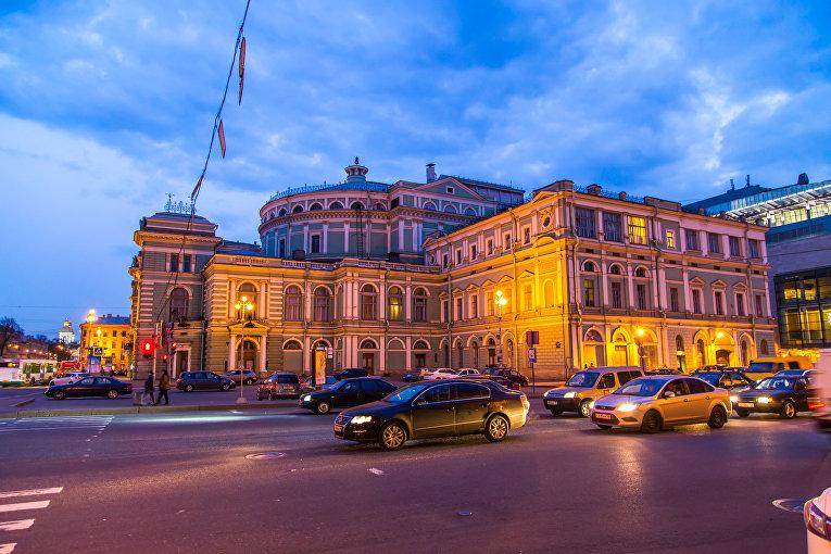 Здание Мариинского театра в Санкт-Петербурге