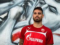 Французский футболист Дамьен Ле Таллек