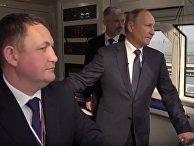 Путин проехал на поезде по Керченскому мосту