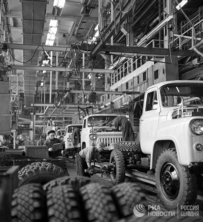 Горьковский автомобильный завод (ГАЗ)