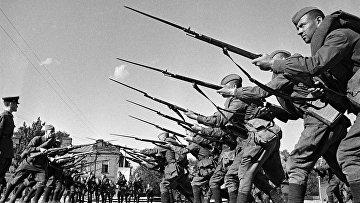 Обучение бойцов перед отправкой на фронт