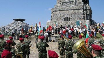 Воинские почести героев обороны Шипки