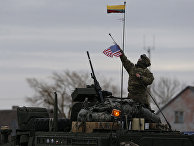 Солдат 2-го кавалерийского полка армии США во время военных учений в Литве