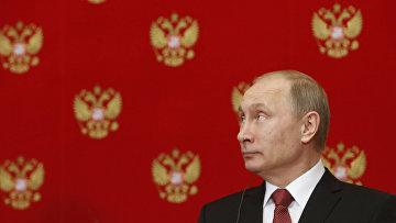 Владимир Путин на пресс-конференции после встречи с премьер-министром Италии Маттео Ренци