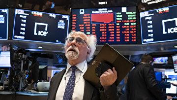 Трейдер Питер Тачман на Нью-Йоркской фондовой бирж