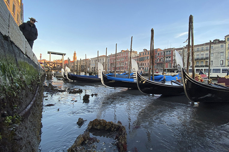 Гондолы в Венеции, Италия