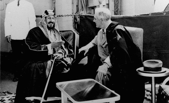 Президент США Франклин Рузвельт и король Саудовской Аравии Абдулазиз ибн Сауд, 1945