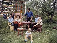 Семья Болеслава Теличана на дачном участке
