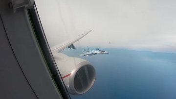Российский Су-35 в небе над Средиземном морем