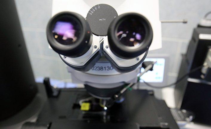 Электронный микроскоп в лаборатории