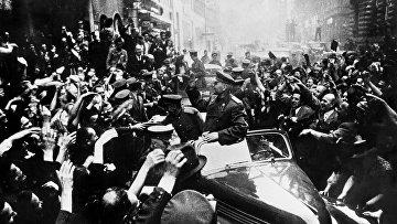 Маршал Советского Союза Иван Степанович Конев в освобожденной Праге