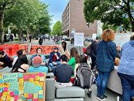 Протестующие во время акции протеста в Сиэтле