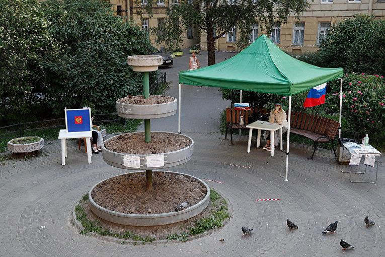 Открытый избирательный участок в Санкт-Петербурге