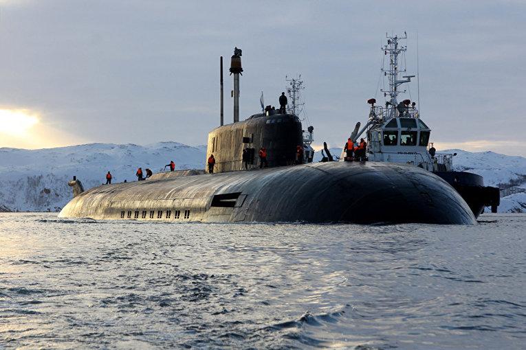 Прибытие атомного подводного ракетного крейсера Северного флота «Орёл» в пункт постоянного базирования после завершения планового ремонта (Мурманская обл.)