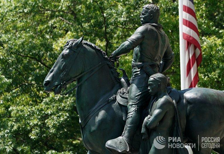 Памятник Теодору Рузвельту в Нью-Йорке