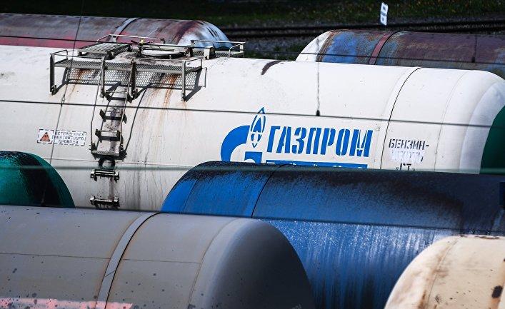 """Товарные составы на железнодорожной станции """"Яничкино"""""""