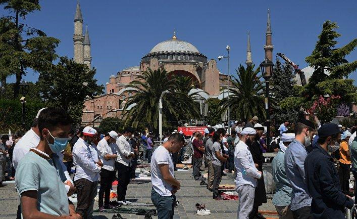 В соборе Святой Софии в Стамбуле возобновились мусульманские богослужения
