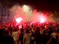 Футбольные фанаты в центре Парижа после матча «Бавария» — «ПСЖ» в финале Лиги чемпионов