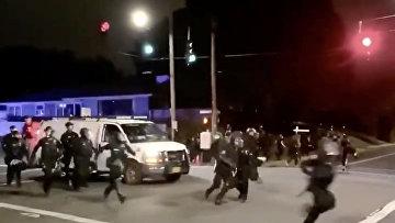 Полиция во время протестов в Портленде