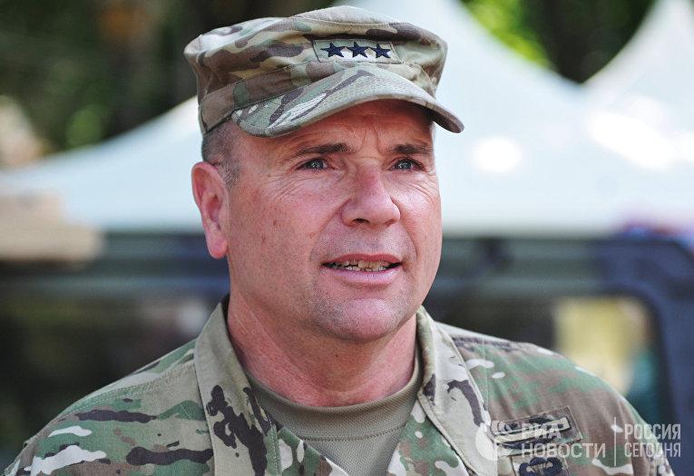 Бывший командующий сухопутными войсками Вооруженных сил США в Европе генерал-лейтенант Фредерик Бен Ходжес