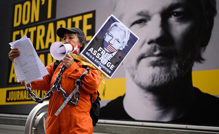 Возобновление слушаний по делу об экстрадиции Дж. Ассанжа в США