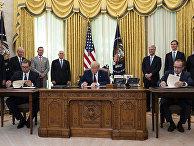 Президент США Дональд Трамп, премьер-министр Косово Авдулла Хоти и президент Сербии Александр Вучич