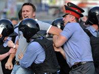 """Задержание Алексея Навального во время митинга """"Марш миллионов """" в Москве"""