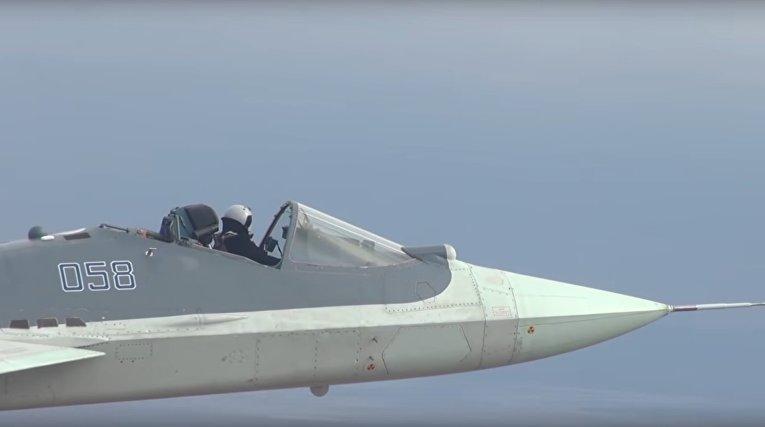 Безбашенный русский пролетел на Су-57 без защитного фонаря