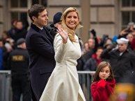 Дочь президента США Дональда Трампа Иванка Трамп с супругом Джаредом Кушнером и детьми