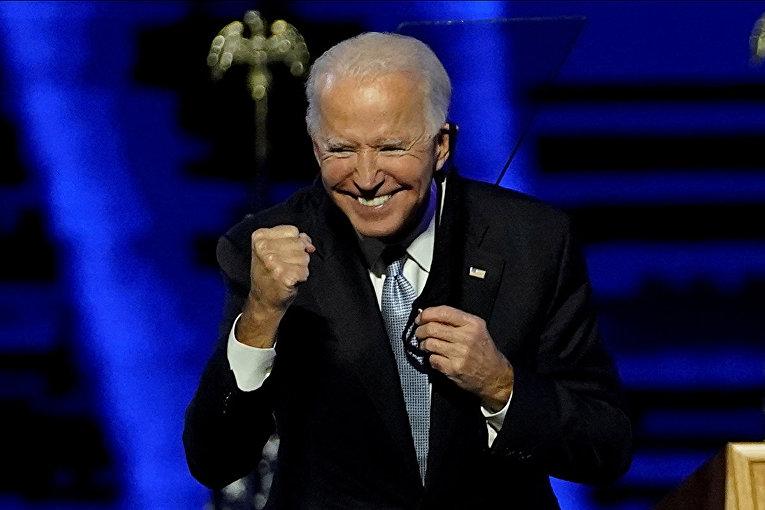 Кандидат в президенты США Джо Байден выступает в Уилмингтоне, штат Делавэр