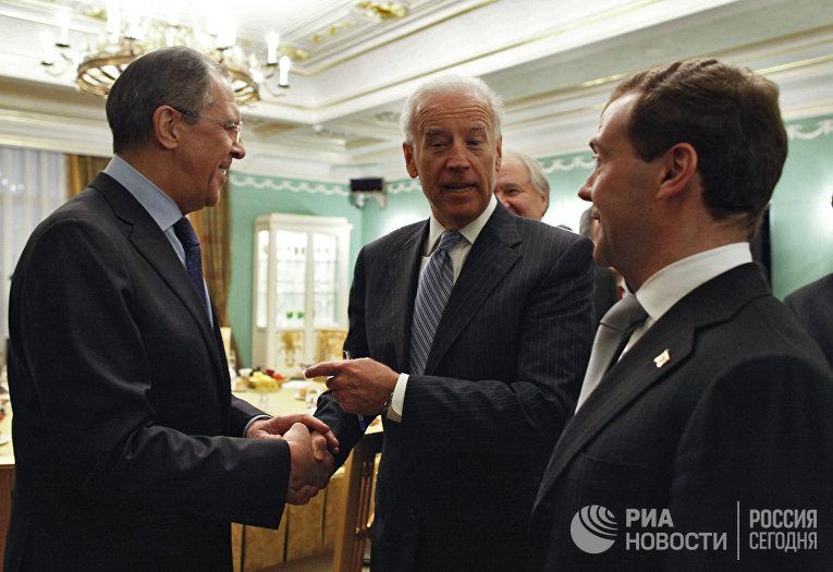 Дмитрий Медведев принял Джозефа Байдена в Горках