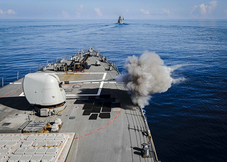 Эсминец ВМФ США «Джон Маккейн»