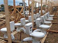 Строительство палаточного лагеря для беженцев