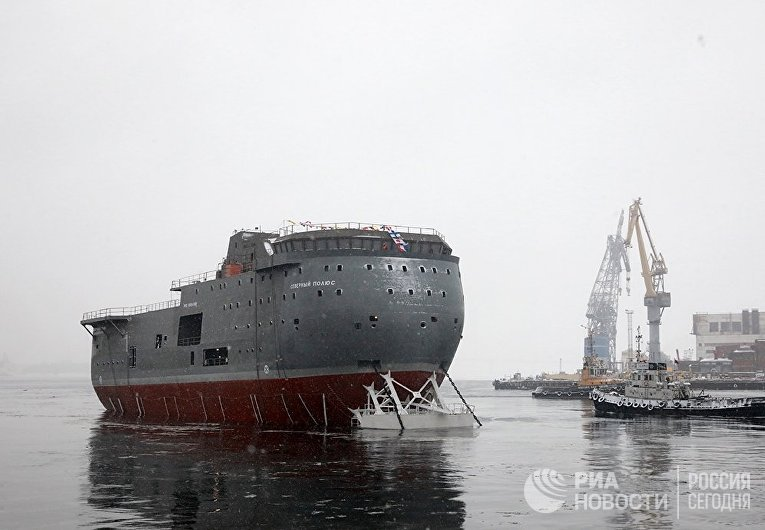 """Спуск на воду ЛСП """"Северный полюс"""" в Санкт-Петербурге"""