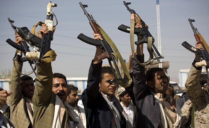 Столкновения хуситов с правительственными войсками рядом с президентским дворцом в Сане