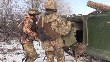 Украинские защитники показали, как уничтожат танки России и боевиков на Донбассе